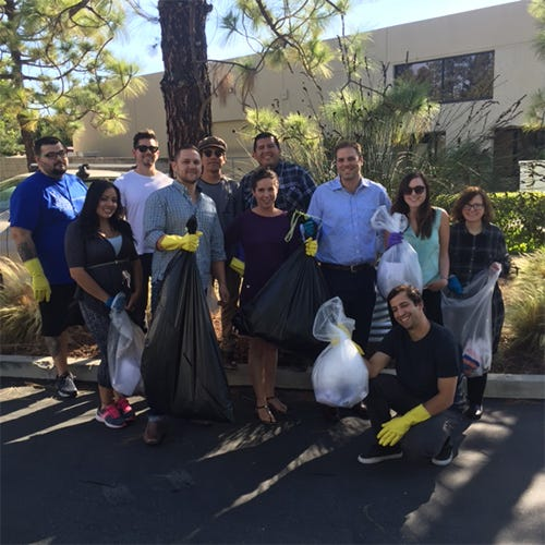 Medelita Cleans Up For Earth Day